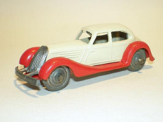 Britains Lilliput LV/602 Saloon Car - red & cream, metal wheels