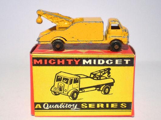 Benbros Mighty Midget No.33 Breakdown Lorry - yellow Bedford variation