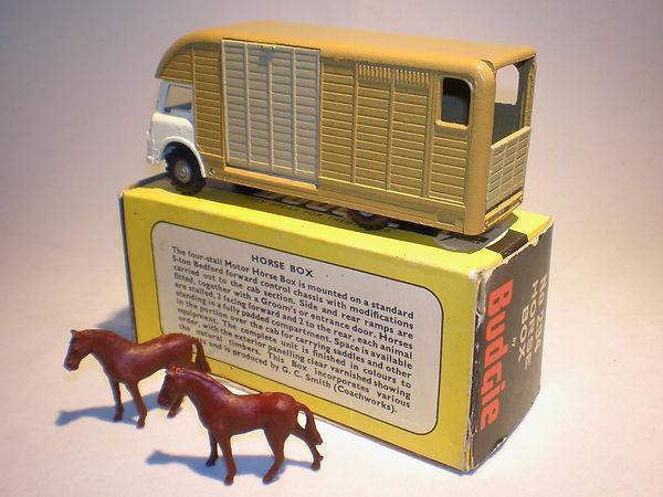 Budgie Toys No.294 Horse Box