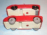 Budgie Miniatures No.16 Austin-Healey - base and wheels