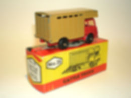 Budgie Miniatures No.25 Cattle Truck - red cab