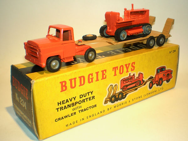 Budgie No.234 Transporter with Crawler Tractor