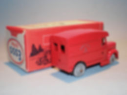 Morestone Esso Petrol Pump Series No.11 Royal Mail Van - rear windows