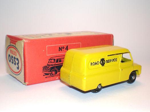Morestone Esso Petrol Pump Series No.4 AA Bedford Van (bpw)