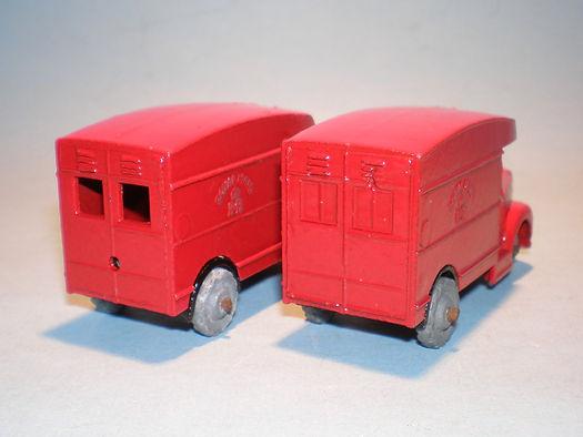 Morestone Esso Petrol Pump Series No.11 Royal Mail Vans