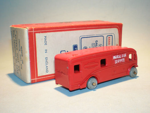 Morestone Esso Petrol Pump Series No.9 Horsebox