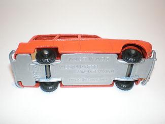 Budgie Miniatures No.15 Austin Countryman - type 2 base