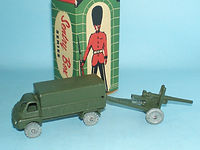 Kemlows Sentry Box 3 Ton Bedford Lorry towing 25pdr Gun