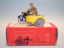 Morestone Esso Petrol Pump Series No.1 AA Motorcycle Patrol