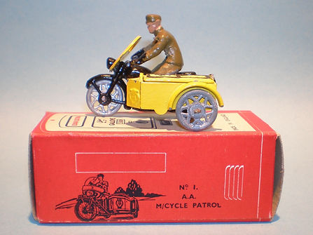 Morestone Esso Petrol Pump Series No.1 AA Motorcycle Patrol