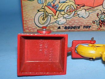 Budgie Toys Noddy and His Trailer