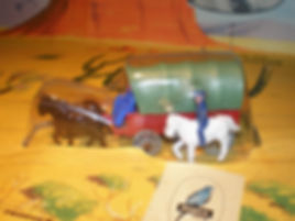 Budgie Miniatures Wagon Train Covered Wagon - green canopy