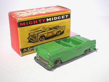 Benbros Mighty Midget No.40 Ford Convertible - green variation