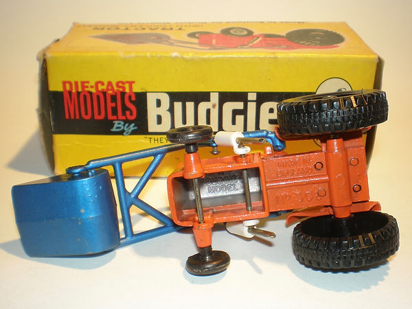 Budgie No.306 Tractor with Fork-Lift Shovel