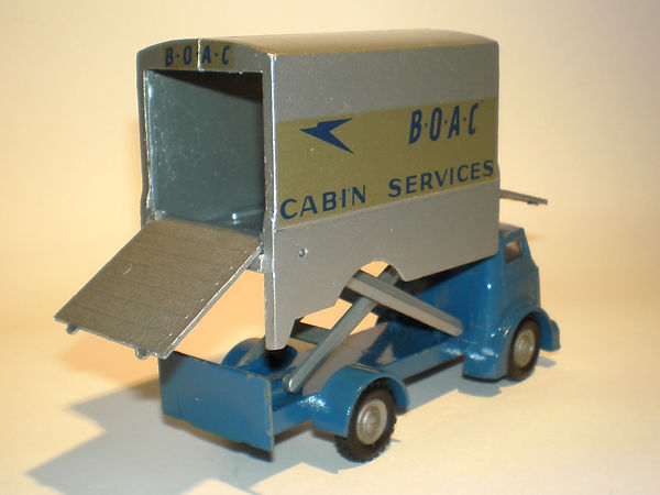 Budgie No.302 BOAC Cabin Service Lift Truck