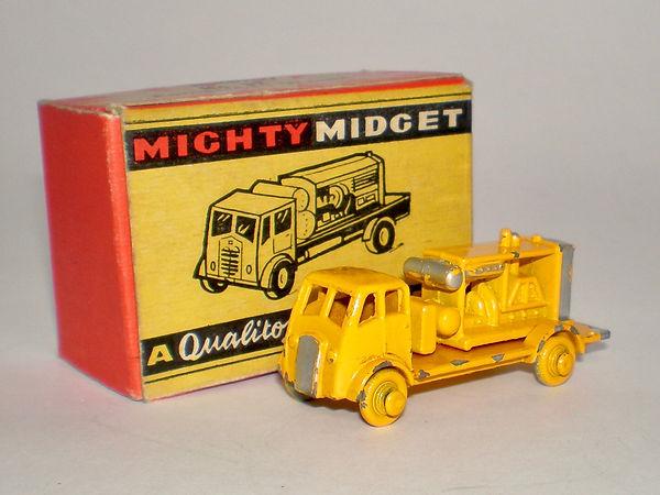 Benbros Mighty Midget No.32 Compressor Wagon - yellow including wheels