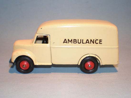Britains Lilliput Vehicle Series LV/617 Local Authority Ambulance