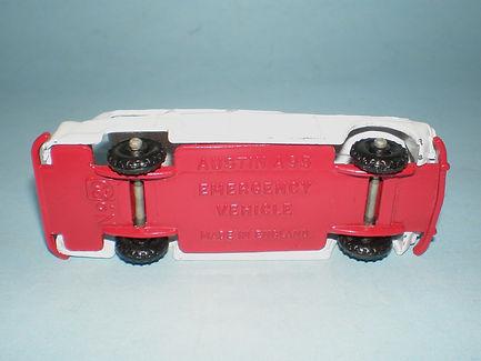Budgie Miniatures No.20b Emergency Vehicle - base