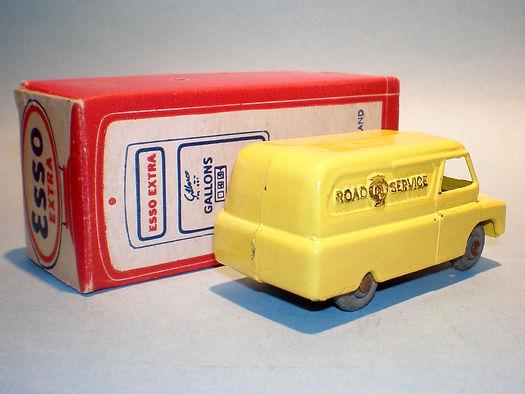 Morestone Esso Petrol Pump Series No.4 AA Bedford Van (umw)