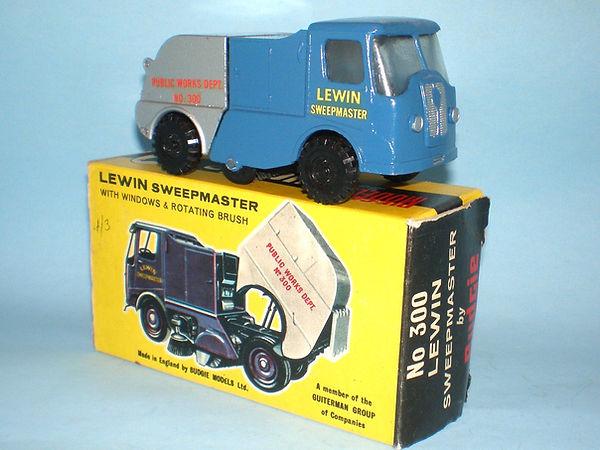 Budgie No.300 Lewin Sweepmaster