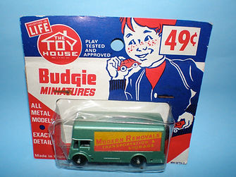 Budgie Miniatures No.58 Modern Removal Truck - Toy House blister-pack