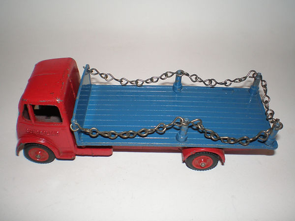 Benbros Qualitoy 220 Flat Truck with Chains