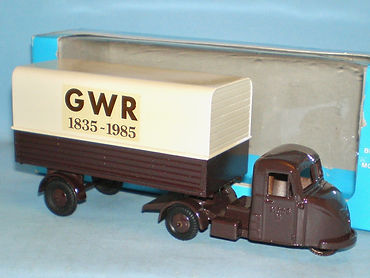 Budgie No.702 Scammell Scarab Van 'GWR'