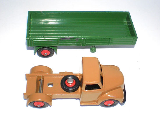 Britains Lilliput Vehicle Series LV/614 Articulated Truck
