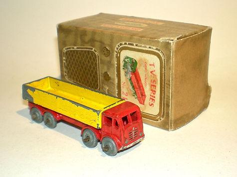 Benbros TV Series No.21 Diesel Wagon - red cab, yellow body