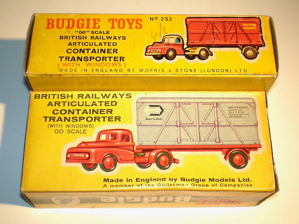 Budgie No.252 British Railways Container Transporter boxes