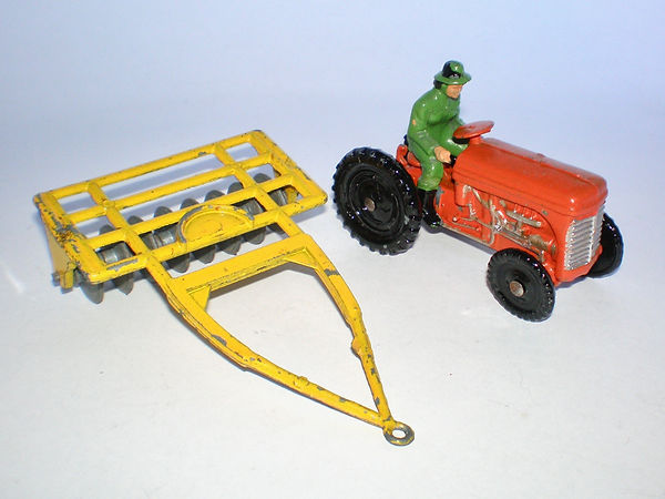 Benbros Qualitoys Tractor & Disc Harrow