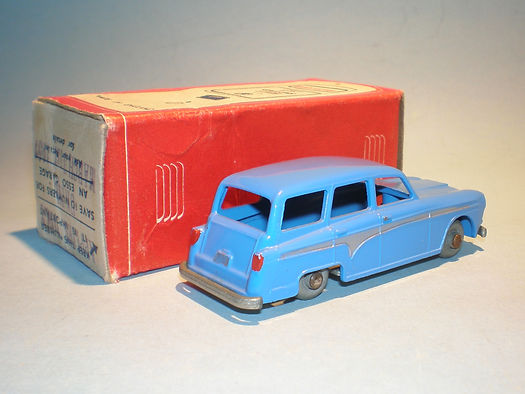 Morestone Esso Petrol Pump Series No.15 Aiustin Countryman - blue version