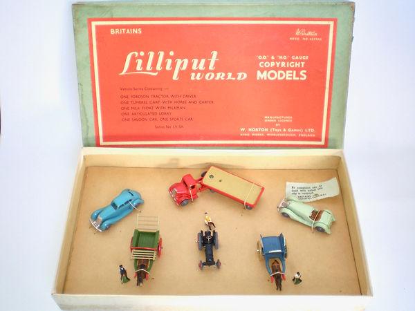 Britains Lilliput World Vehicle Series Set LV/SA