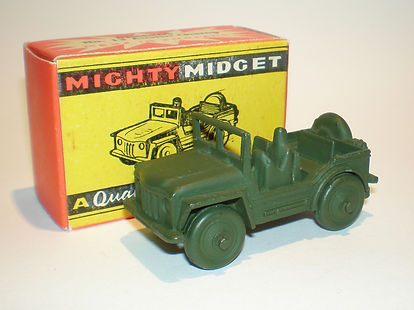 Benbros Mighty Midget No.13 Austin Champ - cast-in driver
