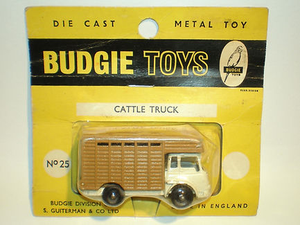 Budgie Miniatures No.25 Cattle Truck - yellow blister pack
