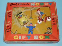 Morestone Budgie Noddy's Gift Box
