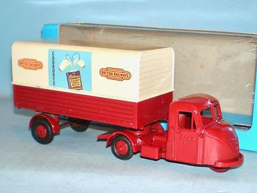 Budgie No.702 Scammell Scarab Van 'British Railways'