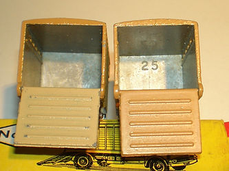 Budgie Miniatures No.25 Cattle Truck - number