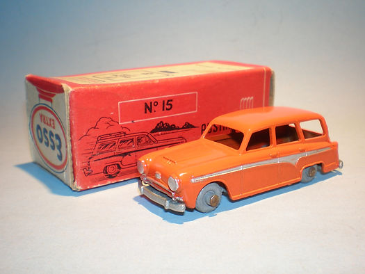 Morestone Esso Petrol Pump Series No.15 Austin Countryman - orange version