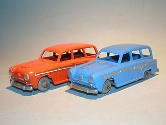 Morestone Esso Petrol Pump Series No.15 Austin Countryman - colour variations