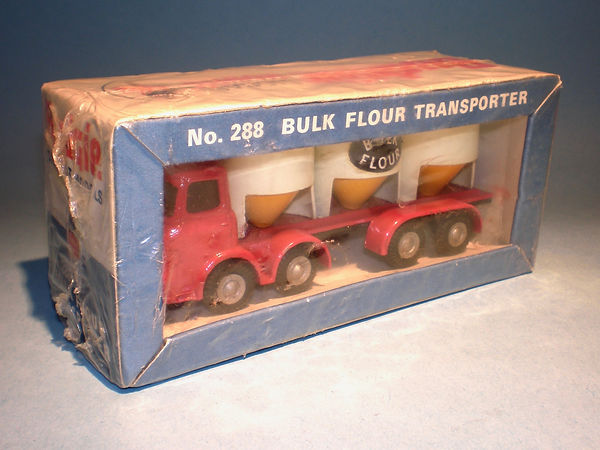 Budgie No.288 Bulk Flour Transporter in sealed pack