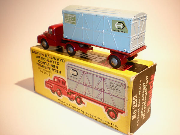 Budgie No.252 BR Articulated Container Transporter