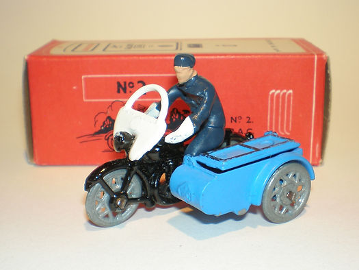 Morestone Esso Petrol Pump Series No.2 RAC Motorcycle Patrol