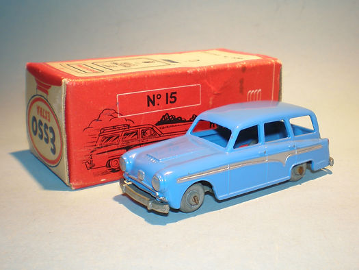 Morestone Esso Petrol Pump Series No.15 Austin Countryman - blue version
