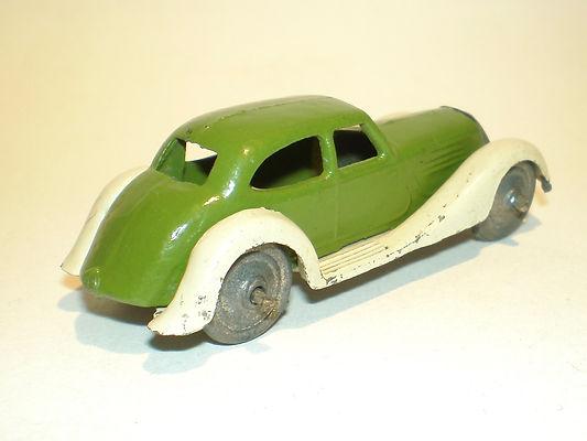 Britains Lilliput LV/602 Saloon Car - green & cream, metal wheels