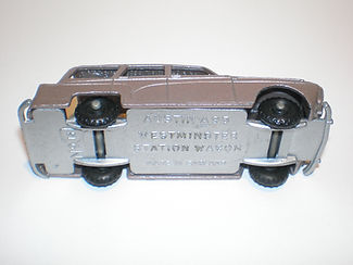 Budgie Miniatures No.15 Austin Countryman - type 3 base