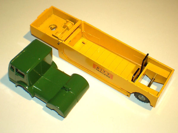 Budgei No.308 Pitt Alligator Low Loader
