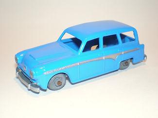 Budgie Miniatures No.15 Austin Countryman - variation 1 (Esso Series)