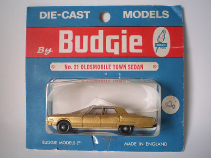 Budgie Miniatures No.21b Oldsmobile Town Sedan blister-pack