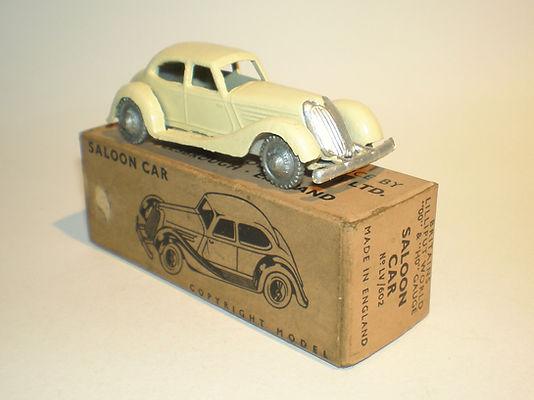 Britains Lilliput LV/602 Saloon Car - cream, silver plastic wheels